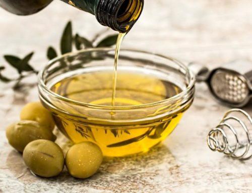 """Převalování oleje vústech aneb """"vysavač"""" toxinů ztěla"""