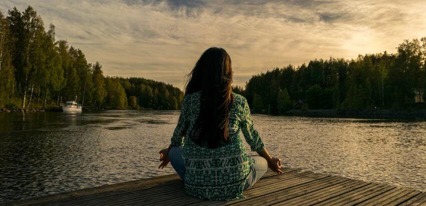 Meditace v přírodě k harmonizaci čaker